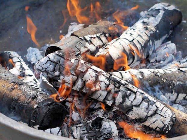 Madera en fuego